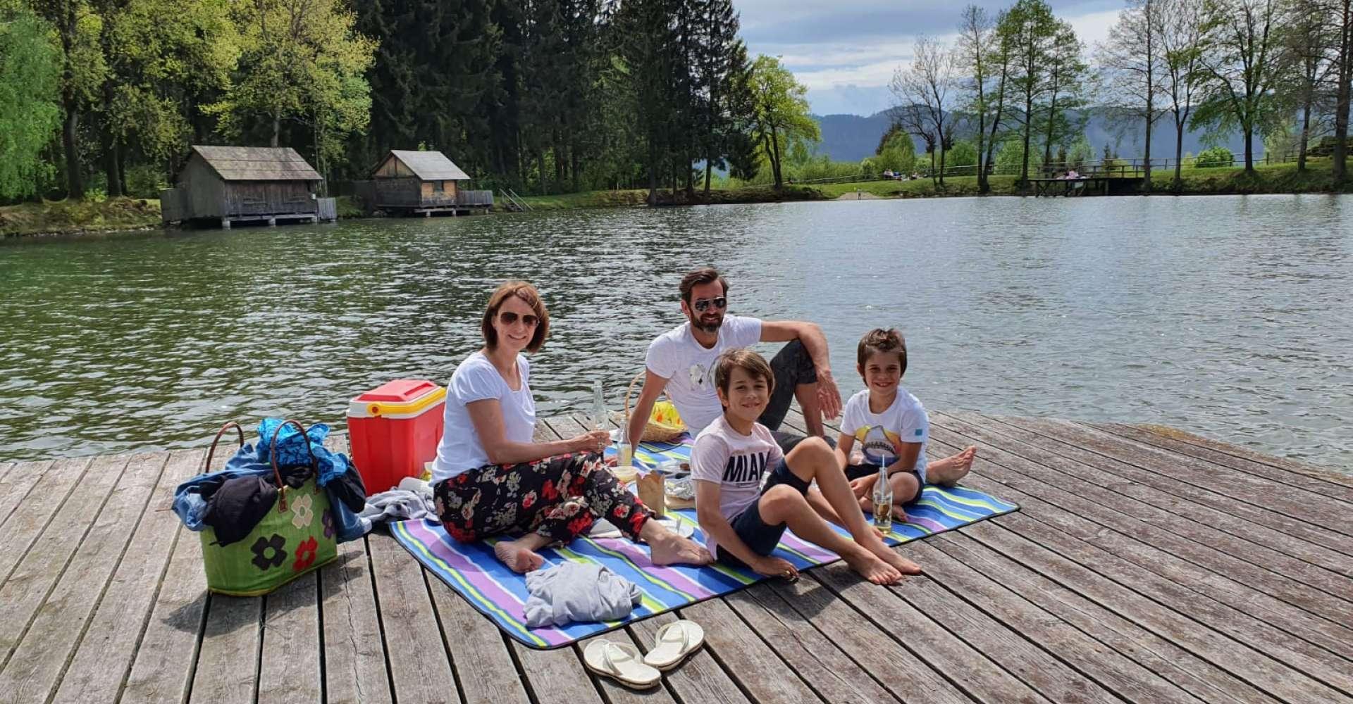 <p>Wohl einer der schönsten Plätze im Murtal für ein Picknick, der Weiermoarteich! </p> Copyright: