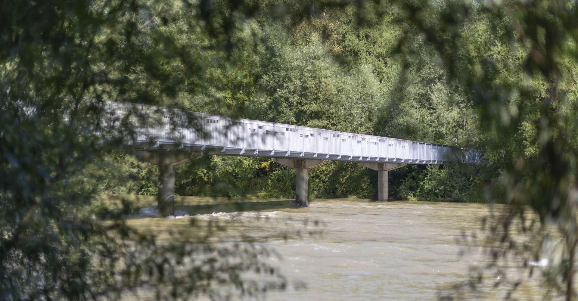 <p>Mur - zahlreiche Brücken begleiten uns auf unserer Tour entlang der Mur.&nbsp;</p> Copyright: